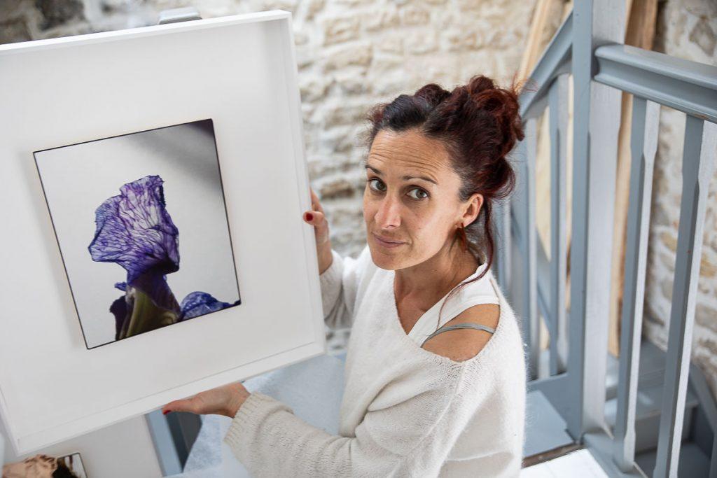 Floriane Durey et un tableau